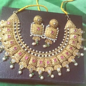 Jewelry - Beautiful Indian set
